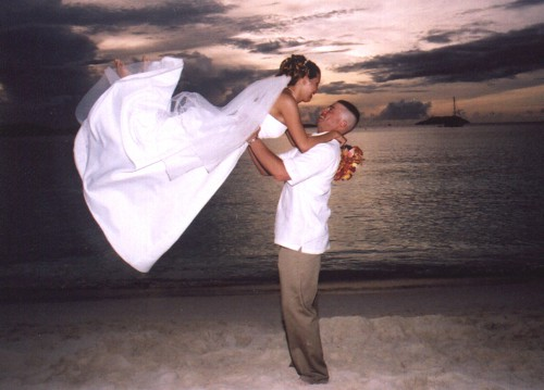Romantic Barefoot Beach Weddings